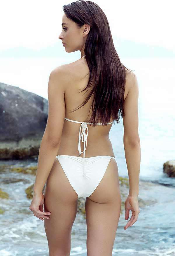 La guapisima Nicole Meyer posando muy sexy en bikini