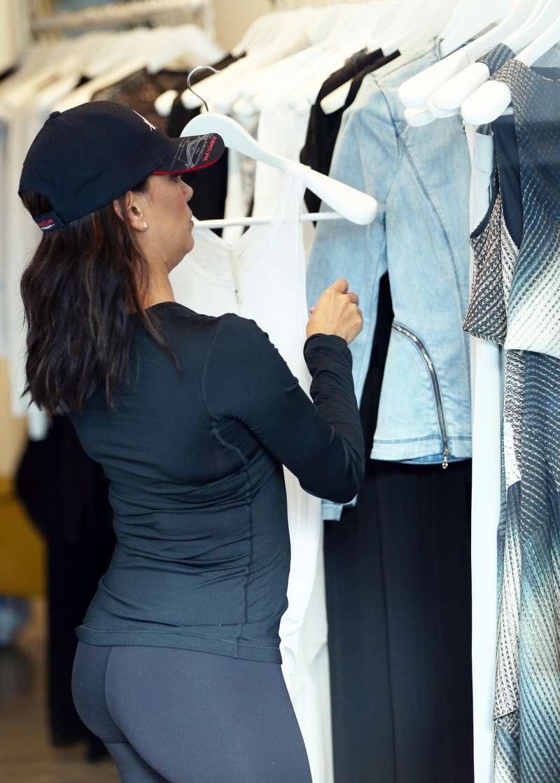 Espectacular Eva Longoria de compras en leggins: vaya culo