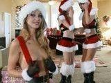 Tres amigas muy zorritas con ganas de sexo en Navidad