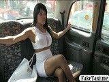 Negra tetona amateur se folla al taxista a cambio de dinero