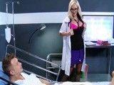 Creo que la doctora tiene la intención de tirarse al enfermo