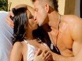 Escena porno de sexo con la guapa y viciosa Sasha Hall
