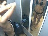 El morbo de esconder una cámara oculta en unos probadores