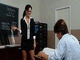 La profesora Ava Addams lo quiere solo para ella
