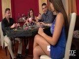 La partida de póker acaba en una tremenda escena de sexo