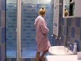 Incesto gratis: mi hermana sale super cachonda de la ducha