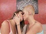 Parejas de lesbianas nos enseñan sus intimidades follando
