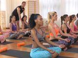El morbo de ir a clase de yoga cuando todas las alumnas son tías