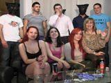 La reunión de amigos acaba en una fiesta de sexo amateur