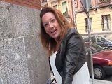 Motera española follando duro, mira que llega a ser guarra
