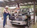Tengo sexo con el mecánico que me arregla el coche