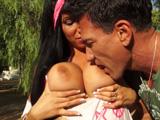 Se enrolla con una mamá española en un parque, que zorrón