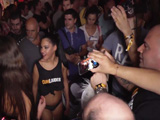 Apolonia dispuesta a follarse a todos en el festival erótico