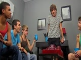 Una orgía gay entre jóvenes estudiantes, que viciosos!