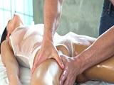 August Ames se deja masajear por el calvo de J-Mac
