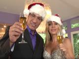 Lisa DeMarco y Marco Banderas os desean Feliz Navidad