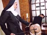 Está totalmente prohibido saltarse las reglas del convento ...