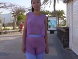 Tremendo el coño que marca la señora por la calle con los leggins