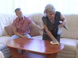 No se que tiene la abuela pero me la pone dura de cojones