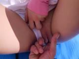 Mi chica me deja que meta el dedo, siempre lo tiene mojado