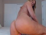 Joder como menea el culo esta madura en su webcam..