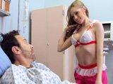 Me acaban de operar, la enfermera quiere que se la meta