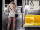 Joder, pero si es que algunas ven en el metro enseñando el culo