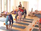 Después de la clase colectiva de yoga follamos duro