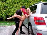 Kenzie Reeves acabó follando en la calle con el voyeur