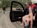 Paramos el coche para echar un polvo, vaya calentón llevo !!