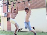 De jugar en el parque a ser dos buenos follamigos gays !!